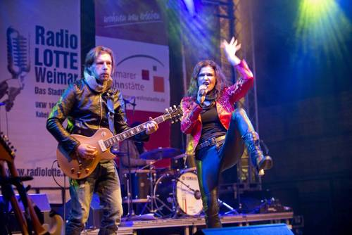 Jule Neigel Live auf der Bühne (© 2013 Thüringer Allgemeine)