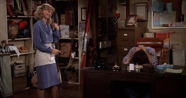 Diane versucht Sam bei seinem Problem mit der Managerin zu helfen.